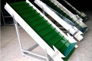Conveyor-belt-for-chili-powder-production-line
